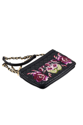 Floral Embroidered Clutch-2
